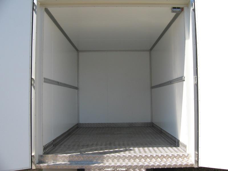 Какие утеплители используются в изотермических фургонах?