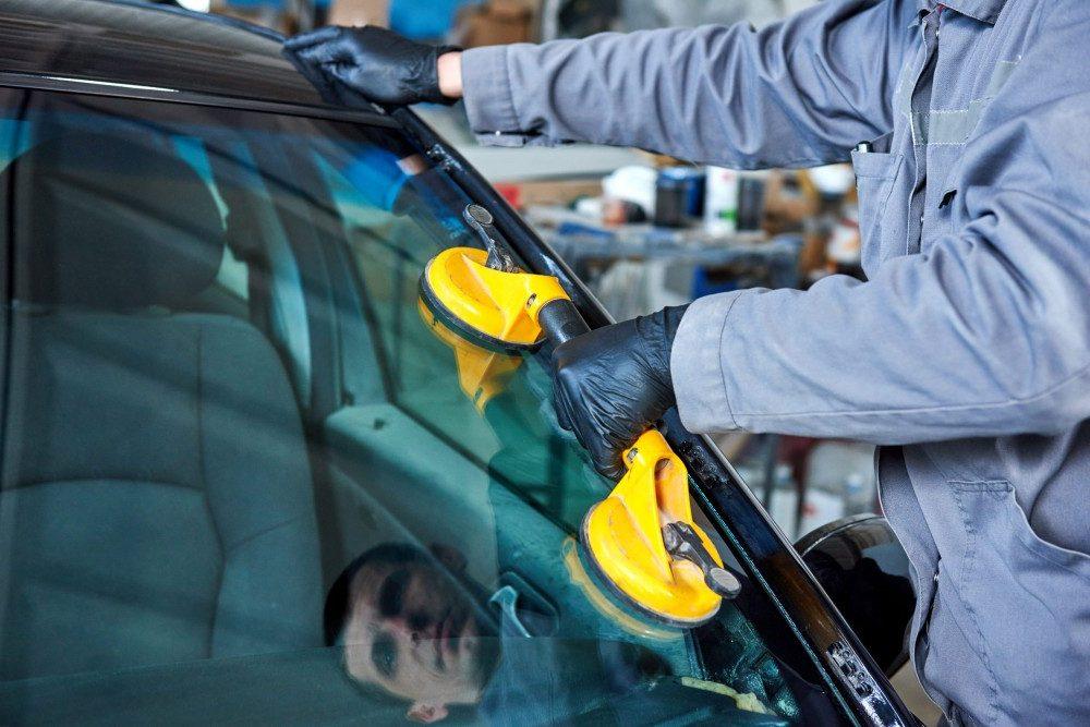 Что нужно знать о ремонте автостекол